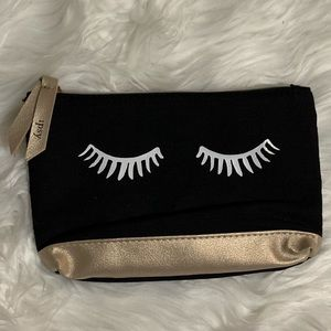 {$6 ADD TO BUNDLE} Pretty Eyes Cosmetic Bag